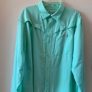 Men's - Underarmour Long Sleeved Sportswear Shirt.